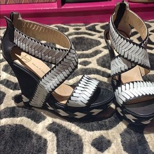 Black and white woven wedge from house of Harlow